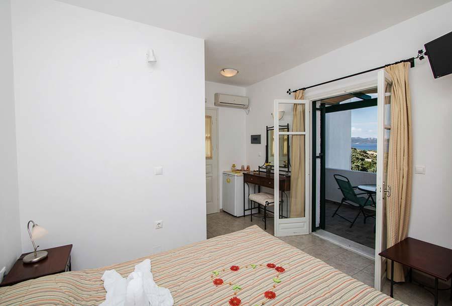Hotel in Milos Akrothalassia – Rooms 1