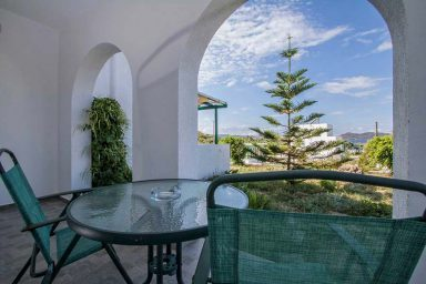 Hotel in Milos Akrothalassia – Rooms 10