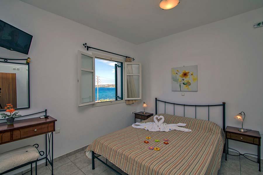 Hotel in Milos Akrothalassia – Rooms 15