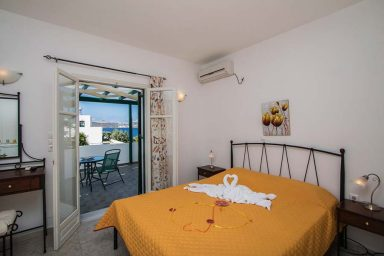 Hotel in Milos Akrothalassia – Rooms 14