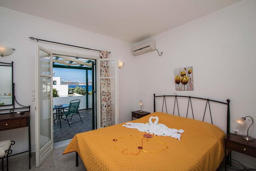 Hotel in Milos Akrothalassia – Rooms 14