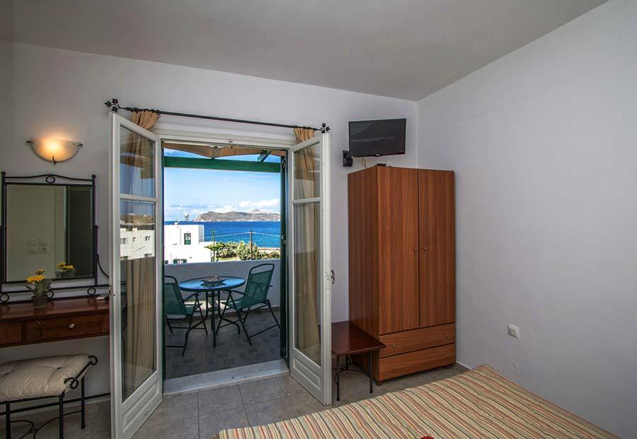 Hotel in Milos Akrothalassia – Rooms 3