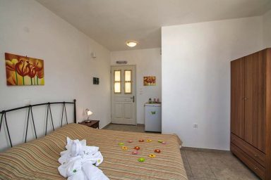 Hotel in Milos Akrothalassia – Rooms 4