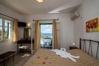 Hotel in Milos Akrothalassia – Rooms 6