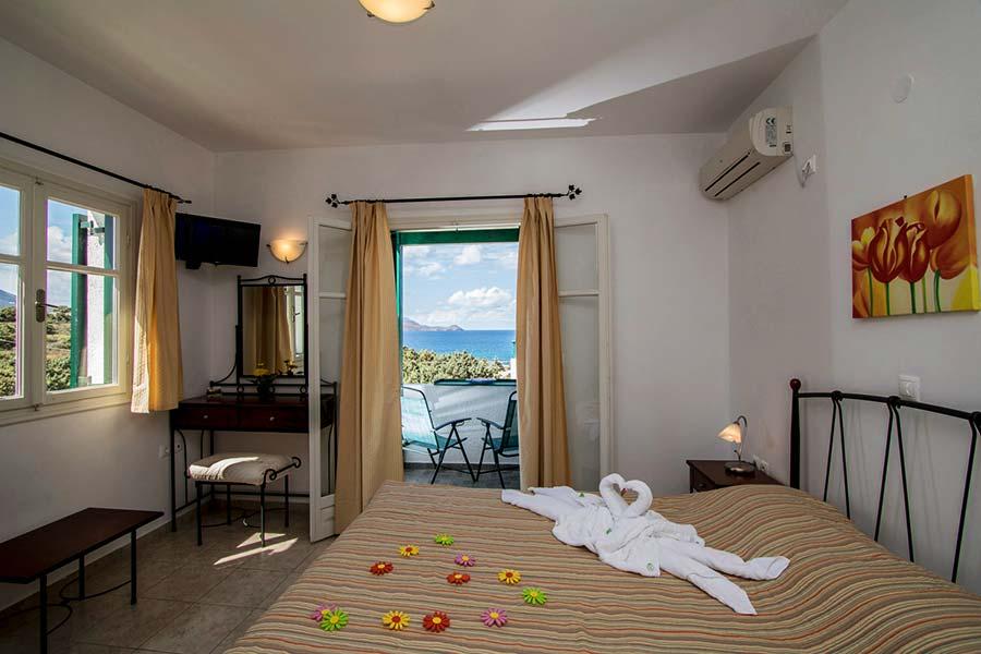 Hotel in Milos Akrothalassia – Rooms 6