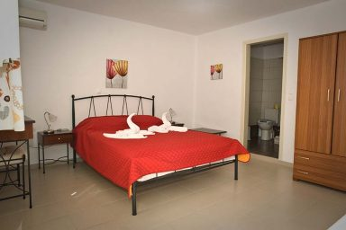 Hotel in Milos Akrothalassia – Rooms 9