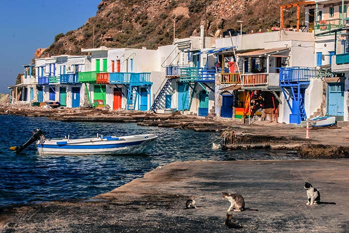 Akrothalassia Hotel in Milos 8