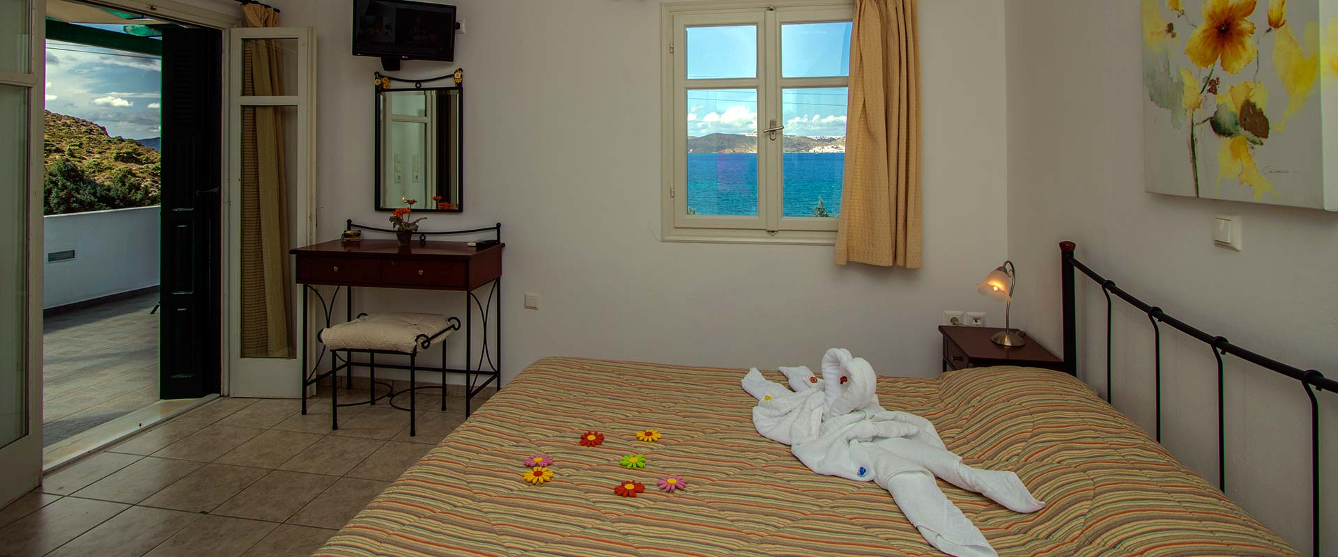 Hotel in Milos - Rooms in Milos